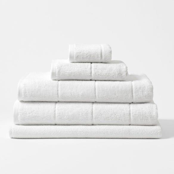 https://s3-ap-southeast-2.amazonaws.com/fusionfactory.commerceconnect.bbnt.production/pim_media/000/113/893/CH-Tasman-Towels-White-214526-R.jpg?1617838625