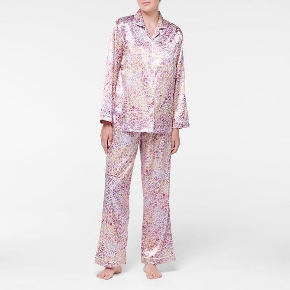 https://s3-ap-southeast-2.amazonaws.com/fusionfactory.commerceconnect.bbnt.production/pim_media/000/107/339/M_F-Blush-Floral-Satin-PJs-Pink-214374-R-Front.jpg?1615769807