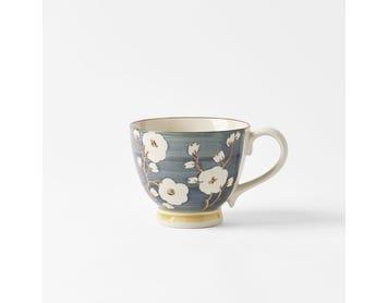 https://s3-ap-southeast-2.amazonaws.com/fusionfactory.commerceconnect.bbnt.production/pim_media/000/054/635/M_F-Cherry-Blossom-Lge-Tea-Cup-Slate-Blue-20918602.jpg?1584308507