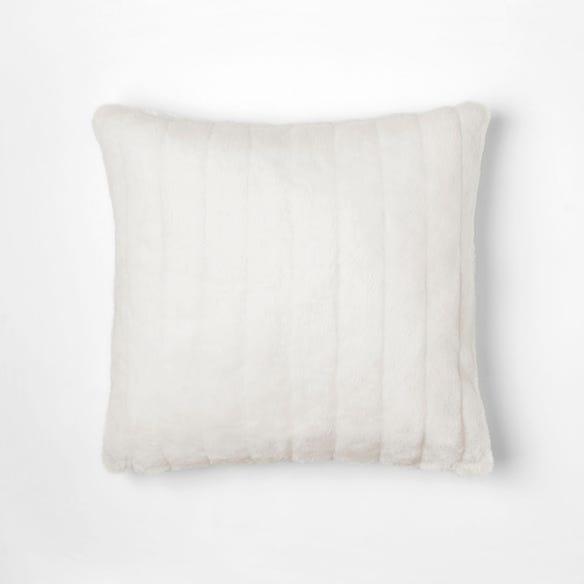 https://s3-ap-southeast-2.amazonaws.com/fusionfactory.commerceconnect.bbnt.production/pim_media/000/055/172/M_F-Faux-Fur-Cushion-Cream-10646602.jpg?1584995798