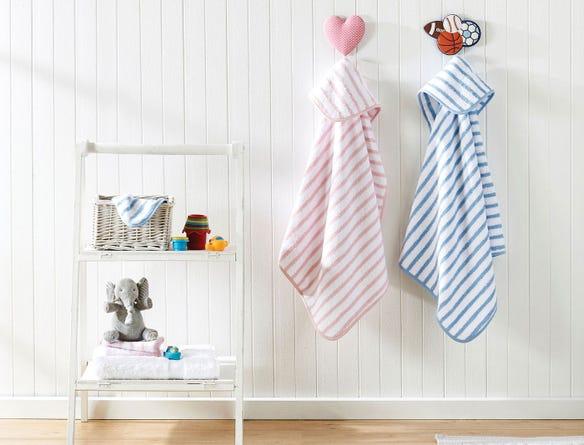 https://s3-ap-southeast-2.amazonaws.com/fusionfactory.commerceconnect.bbnt.production/pim_media/000/025/809/M_F-Hooded-Stripe-Baby-Towels-18236-R-alt.jpg?1579127533