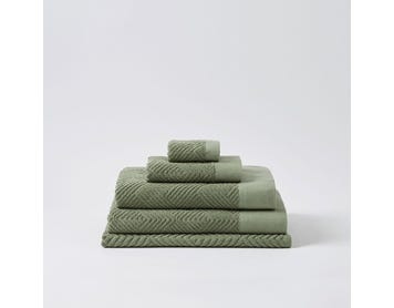 https://s3-ap-southeast-2.amazonaws.com/fusionfactory.commerceconnect.bbnt.production/pim_media/000/058/680/M_F-Kinsley-Towels-Olive-Green-206843-R.jpg?1588551127