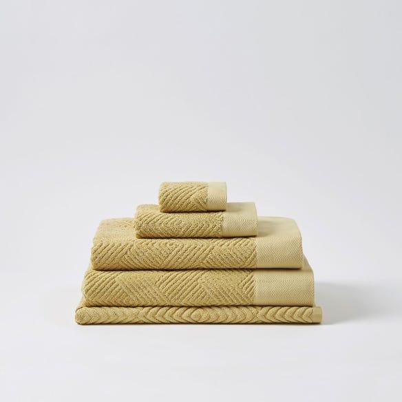 https://s3-ap-southeast-2.amazonaws.com/fusionfactory.commerceconnect.bbnt.production/pim_media/000/058/670/M_F-Kinsley-Towels-Wheat-206843-R.jpg?1588550203