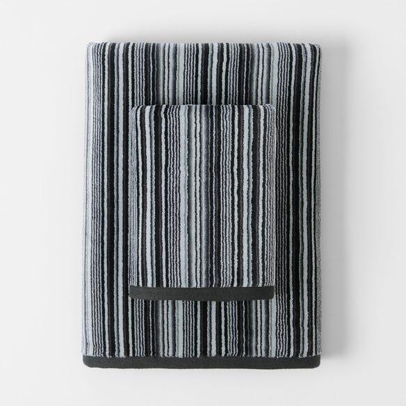 https://s3-ap-southeast-2.amazonaws.com/fusionfactory.commerceconnect.bbnt.production/pim_media/000/112/283/M_F-Montauk-Velour-Towels-Onyx-Multi-21378602-8.jpg?1617057341