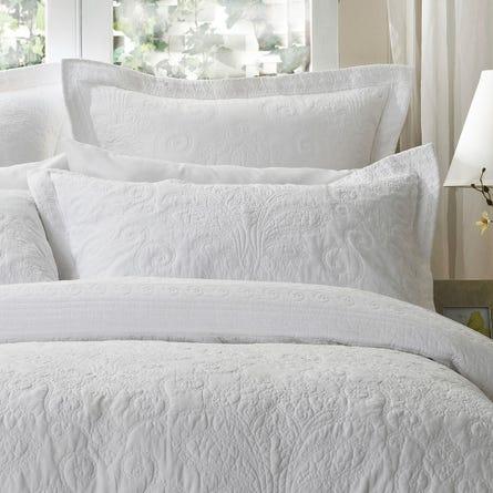 https://s3-ap-southeast-2.amazonaws.com/fusionfactory.commerceconnect.bbnt.production/pim_media/000/054/095/M_F-Rosato-Pillows.jpg?1583884683