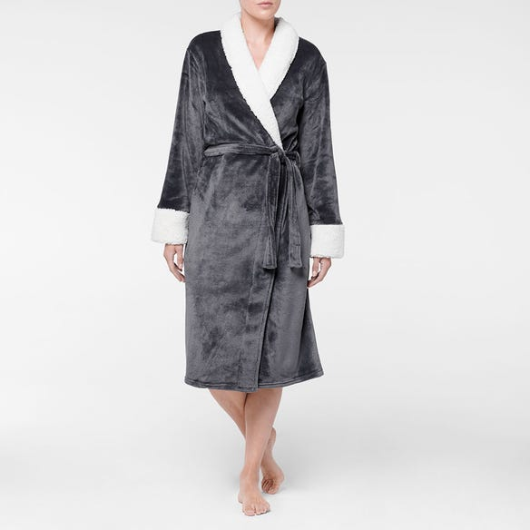 https://s3-ap-southeast-2.amazonaws.com/fusionfactory.commerceconnect.bbnt.production/pim_media/000/107/436/M_F-Sherpa-Plush-Robe-Charcoal-21422901-Front.jpg?1615773608