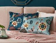 https://s3-ap-southeast-2.amazonaws.com/fusionfactory.commerceconnect.bbnt.production/pim_media/000/013/394/M_F-Taman-Floral-Cushions-40x60-200001-R.jpg?1562733719