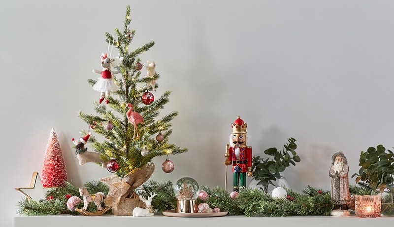 73 Awe-Inspiring Ways to Decorate for Christmas Image 07