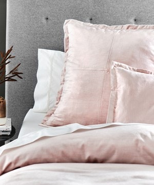 velvet-bed-linen-feel-the-difference