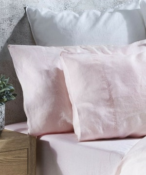 Reasons to fall in love with linen